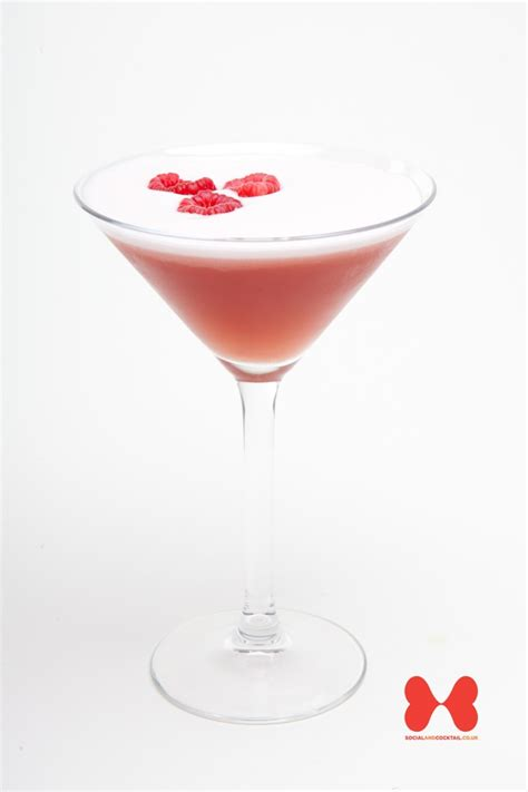 French Martini Cocktail Recipes | Raspberry Liqueur Cocktails