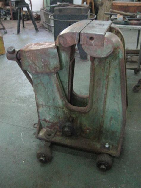 What's the biggest vise you've seen? - Vises - I Forge Iron