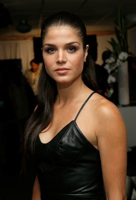 Marie Avgeropoulos - Marie Avgeropoulos Photos - Green