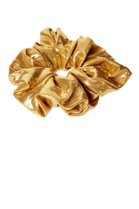 The Scrunchie Revival - The '90s Hair Accessories Makes A
