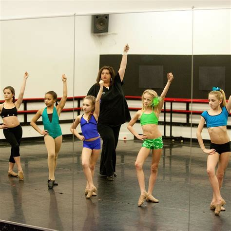 What's Worse: Dance Moms or Toddlers and Tiaras?