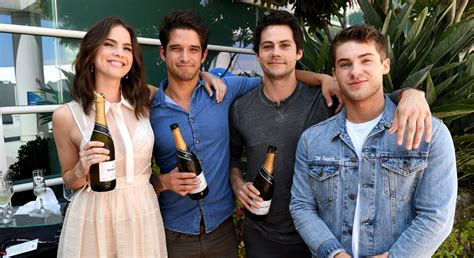 Dylan O'Brien Reunites With 'Teen Wolf' Cast at Comic-Con