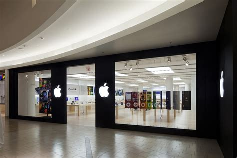 Apple's Sixth-Oldest Store Relocating on January 28 After
