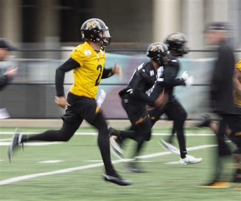 Johnny Manziel watches a lot, throws a little at CFL camp